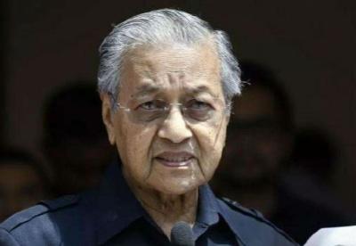 """专访:""""期待继续推动马中关系向前发展""""——访马来西亚总理马哈蒂尔"""