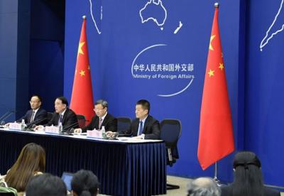 外交部就习近平主席主持2018年中非合作论坛北京峰会举行中外媒体吹风会
