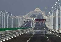 港珠澳大桥通车首日运营顺畅