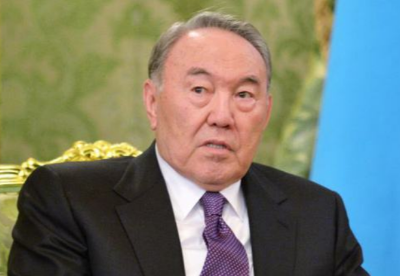 哈萨克斯坦总统说哈方将继续奉行和平的多边外交政策