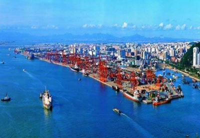 宁波舟山港开通首条外贸滚装航线