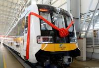 新型长编组全自动运行地铁列车在中车长客股份公司下线