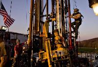 财经观察:业绩压力或将影响美国页岩油气业发展