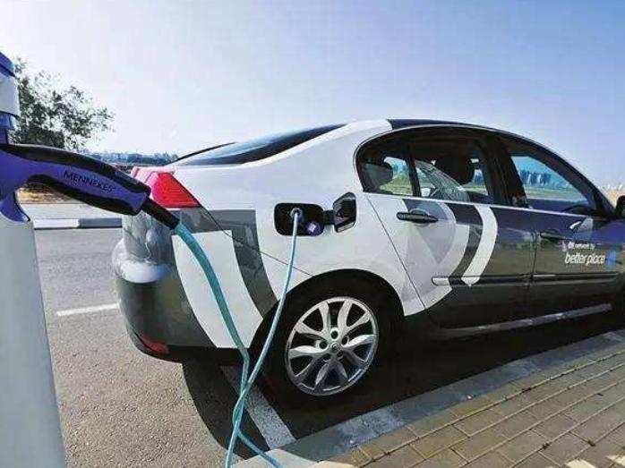 以色列交通部新闻发言人阿夫纳·奥瓦迪亚19日说,以色列即将推出一项计划以增加电动汽车进口量。根据该计划,以色列每家汽车进口商每年最多可进口400辆电