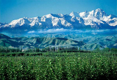 """新疆天山北坡打造""""丝绸之路经济带""""核心区"""