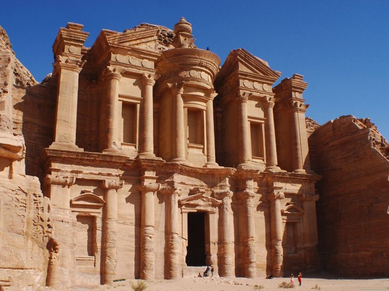 《约旦时报》报道,2019年一季度,约旦旅游收入达13亿美元,增长5.2%。外国游客增加了33.3%,过夜和团体游客分别增加了36%和19.7%。