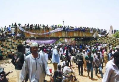 苏丹过渡军事委员会主席:希望推动苏中关系更上层楼