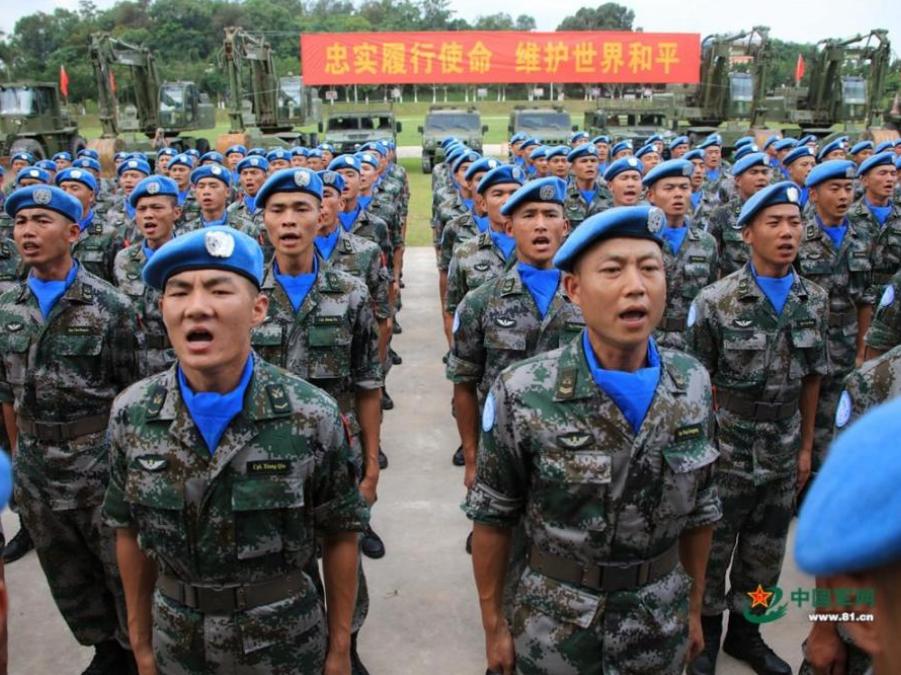 中国赴黎巴嫩维和部队开展医疗巡诊