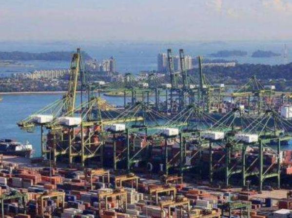 5月新加坡进出口总额同比下降2.1%