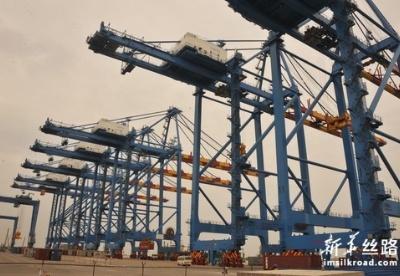 通讯:中国公司扩建特马港 助力加纳和西非经济发展
