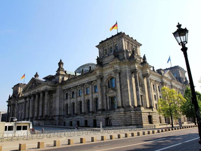 中德职教创新对话论坛在德国柏林举行