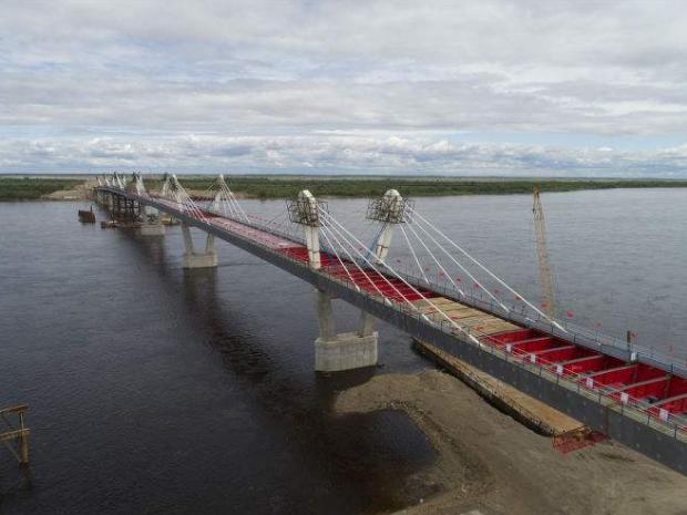 """中俄加快""""一管两桥""""建设推动合作提档升级"""