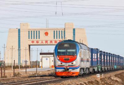中国西北最大陆路口岸进出境中欧班列量稳中有升