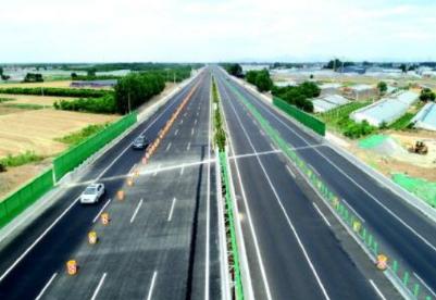 山东迎来首条8车道高速公路
