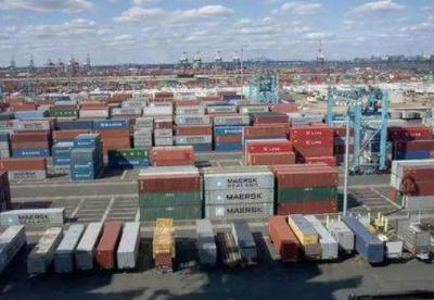 梅德韦杰夫:里海沿岸国家相互贸易额有望翻倍