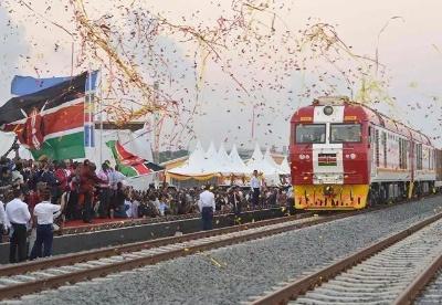 基于PEST-SWOT模型的海外市场开发策略分析——以中国路桥开发肯尼亚市场为例