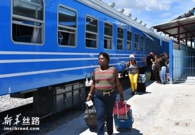 中国车辆助力古巴铁路提升客运量