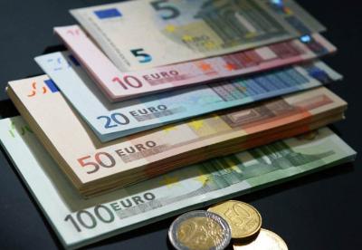 希腊发行25亿欧元7年期国债