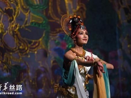 青海民族舞剧《唐卡》亮相香港 与市民共庆回归22周年