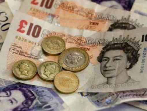 """""""无协议脱欧""""风险大增导致英镑持续下跌"""