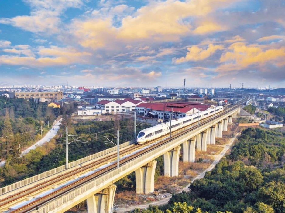 """中国铁路标准""""走出去""""的思考与建议"""
