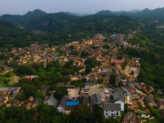 云南3个特色小镇被黄牌警告