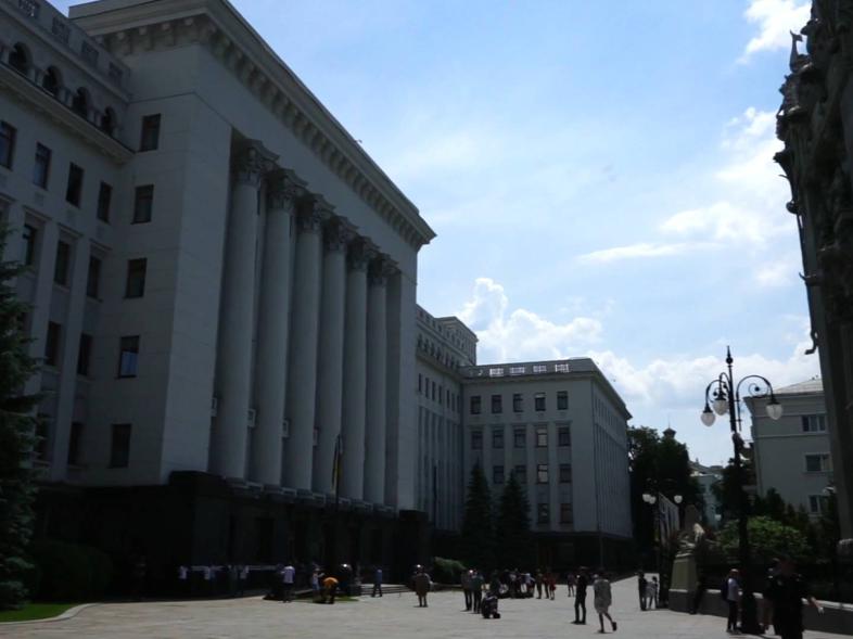 乌克兰总统呼吁普京向乌东部民间武装施加影响