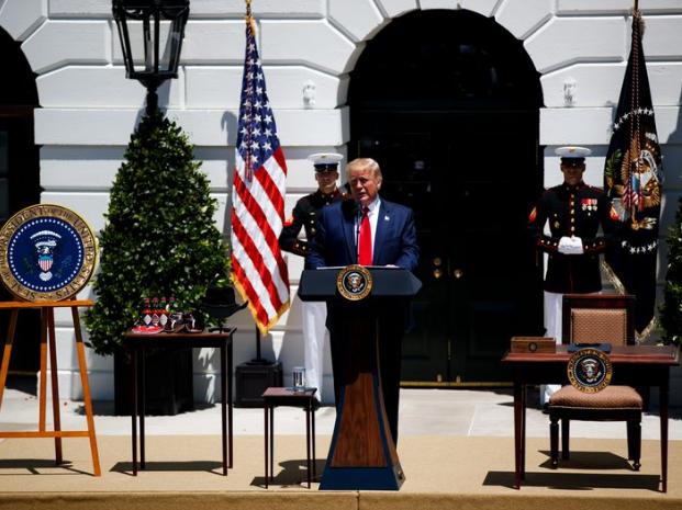 综述:白宫正考虑减税  防经济陷入衰退