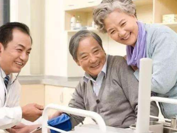 超1.8亿老年人患有慢性病 我国将全面推进老年健康管理