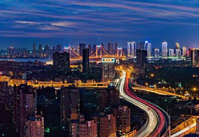 武汉计划投资近300亿元推动工业智能化改造