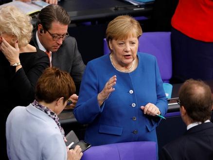 德国总理再次呼吁土耳其停止对叙利亚军事行动