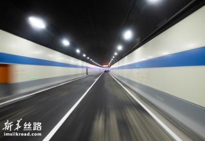 千里沅江第一条过江隧道建成通车