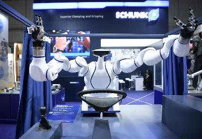 """生活""""无限可能"""" 未来""""无限可期""""——来自进博会的一线观察之科技篇"""