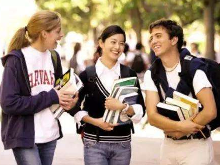 报告显示新增赴美留学生人数连续三年下降