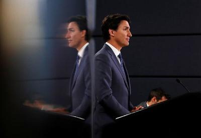 加拿大新内阁宣誓就职