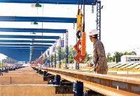 中老铁路焊轨基地正式投入生产
