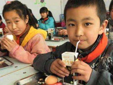 教育部等部门联手推进农村义务教育学生营养改善计划