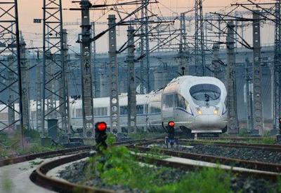 中国长三角铁路年发送旅客首次突破7亿人次