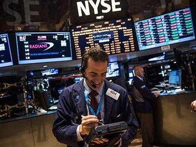 综述:美国股市连创新高  后市还需谨慎
