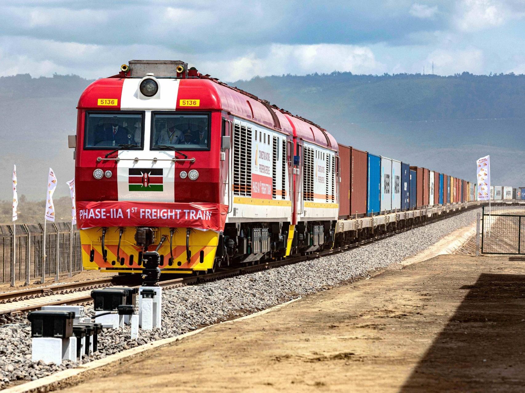 肯尼亚标轨铁路:中肯发展共同体的示范项目