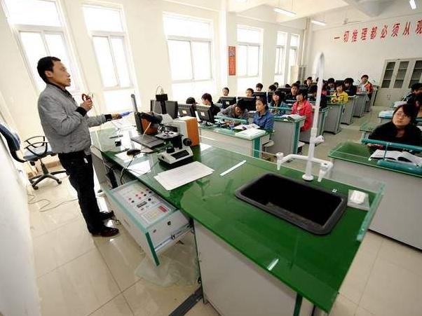 教育部:2023年前要将实验操作纳入初中学业水平考试