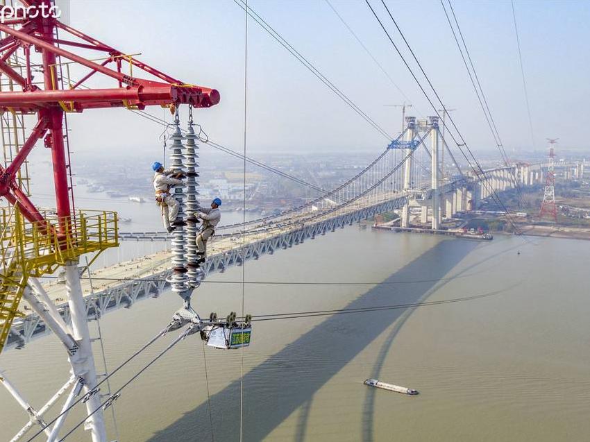 五峰山长江大跨越输电通道改造工程竣工