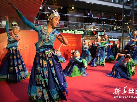 """""""欢乐春节""""活动吸引德国观众体验中国文化"""