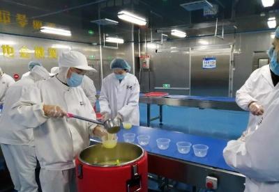 安徽阜阳:爱心企业送餐   温暖一线医护人员