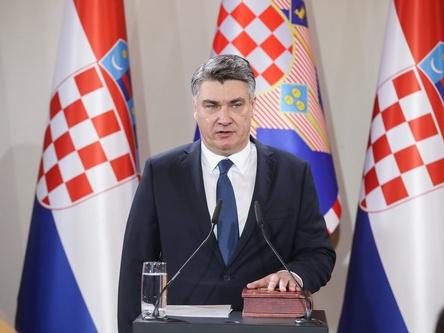 米拉诺维奇宣誓就任克罗地亚总统
