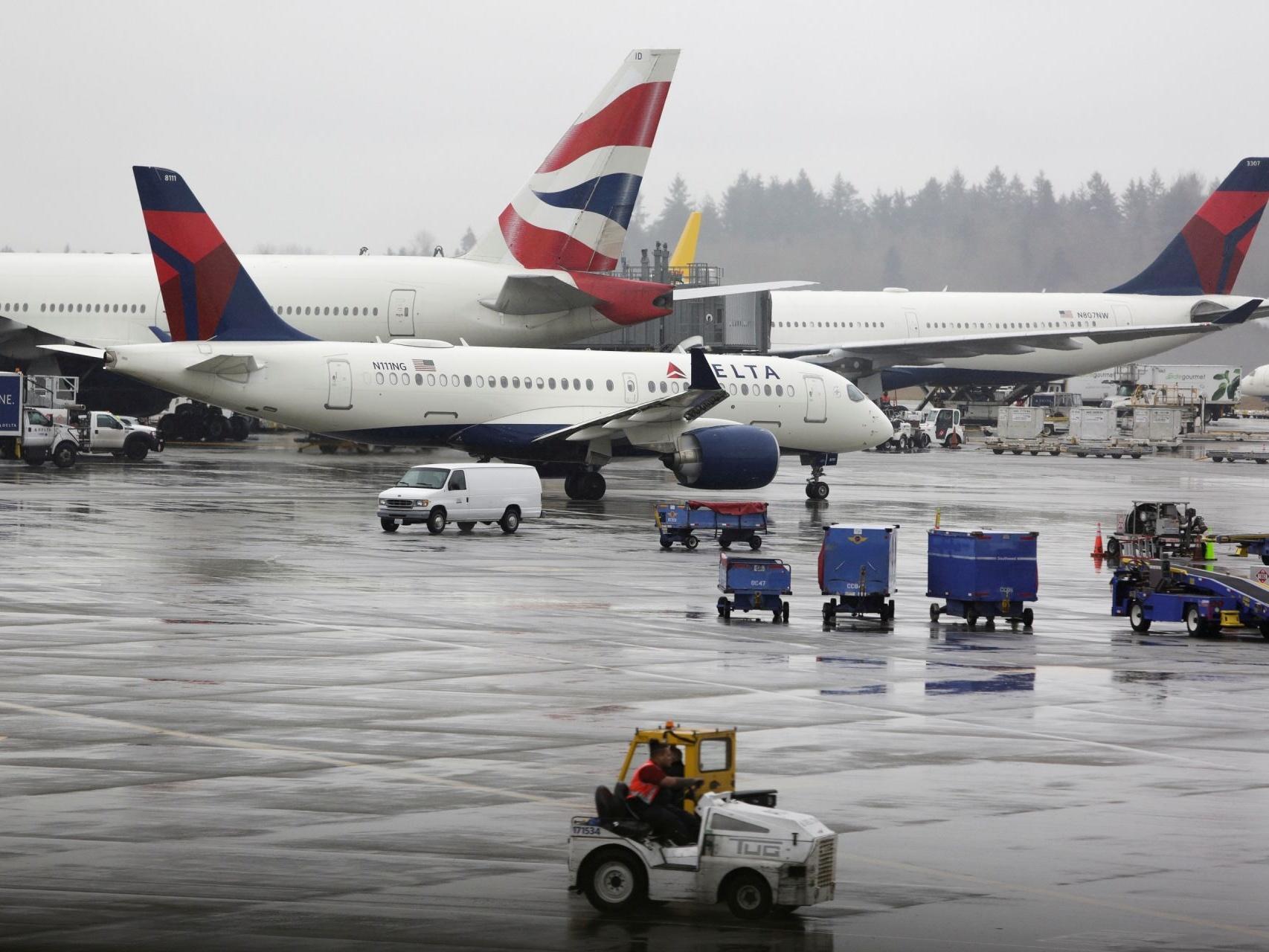 新冠病毒肆虐 美国应该救助航空公司