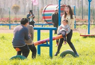 安徽濉溪:春日游园乐陶陶