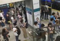 曼谷捷运客流迎峰值加重防疫难度