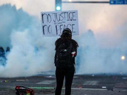 弗洛伊德案抗议活动在美蔓延
