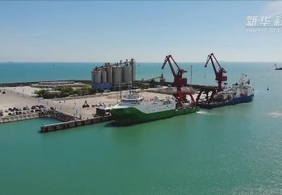 """深海产业再添利器 """"探索二号""""科考船入列仪式在三亚举行"""